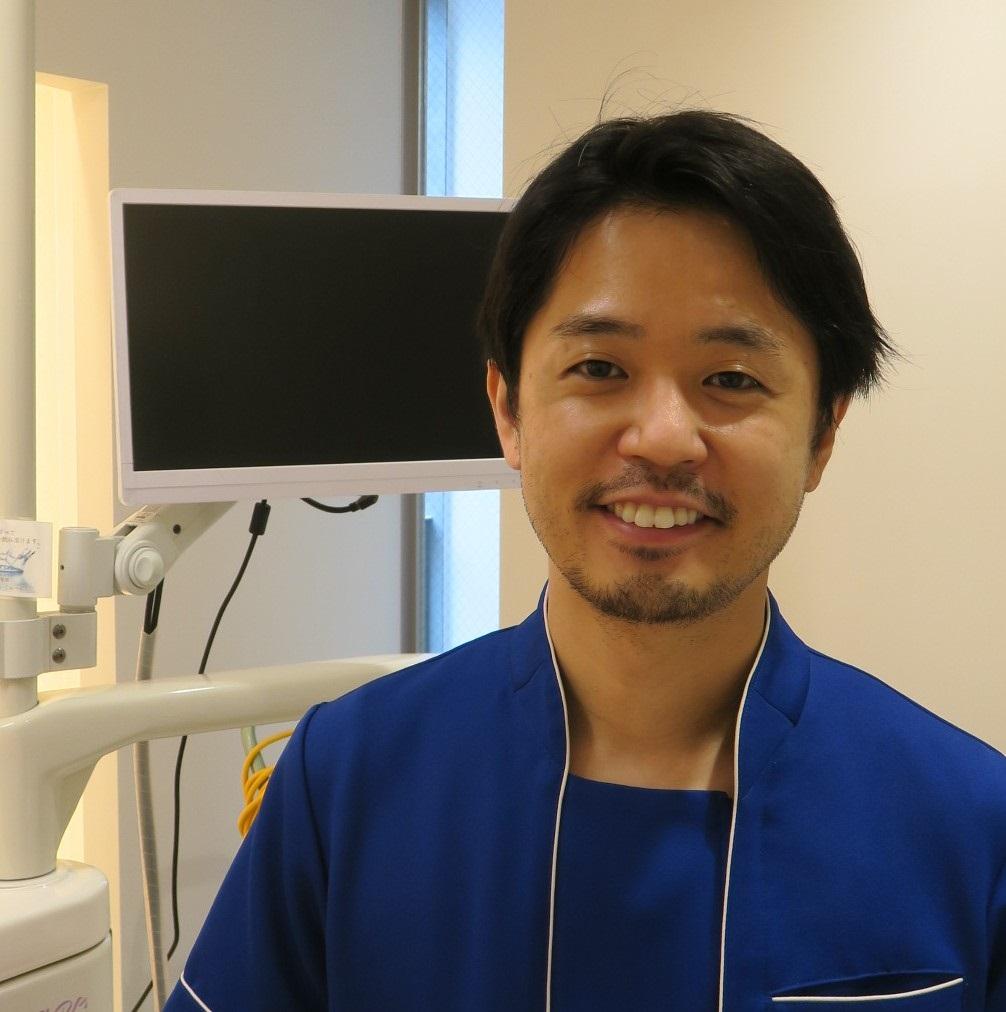矯正歯科担当医、インビザライン認定医の内海崇裕先生