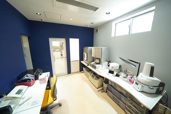 歯科機器室